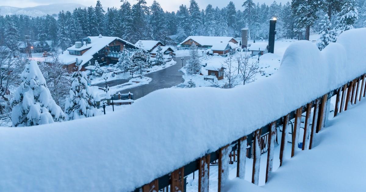 Super storm closes some SoCal ski resorts