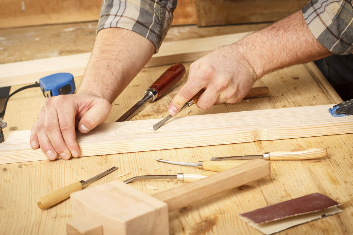 what-you-need-to-know-about-hiring-a-carpenter