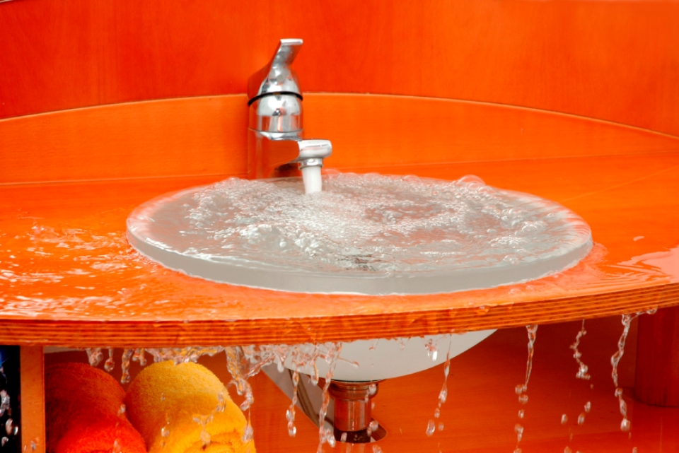 how-to-unclog-your-sink-in-5-easy-steps3